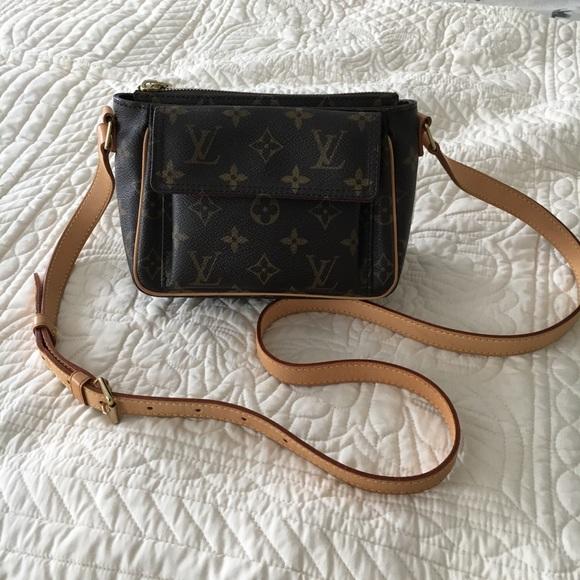 Louis Vuitton Handbags - Louis Vuitton Viva Cite crossbody ecfe1975bc